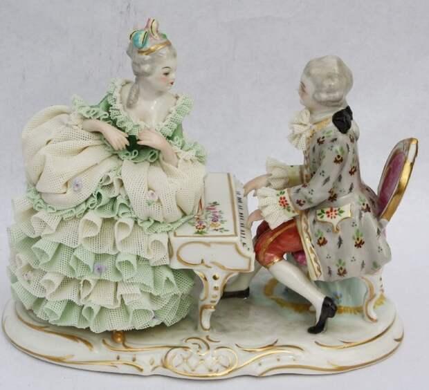 "Irish Dresden musical figurine - 1978 Emerald Collection, ""Musical Evening"""