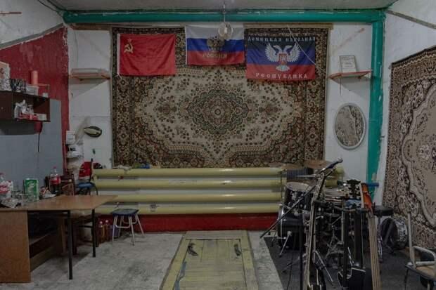 10 поразительных фото российских гаражей, в которых есть все кроме машин