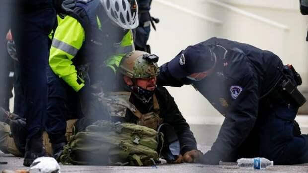 Задержание протестующего