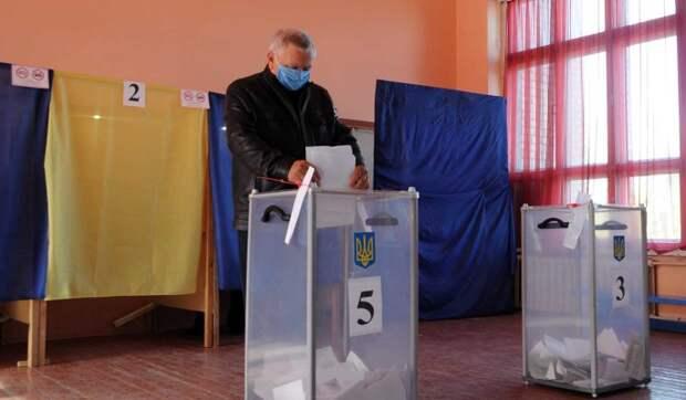 """Украине предрекли раздел на """"удельные княжества"""" после местных выборов"""