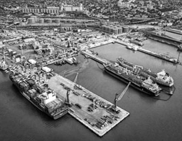 Белоруссия готова везти свои нефтепродукты через российские порты