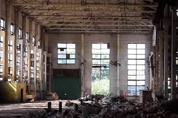 Разрушенный Воронежский экскаваторный завод.