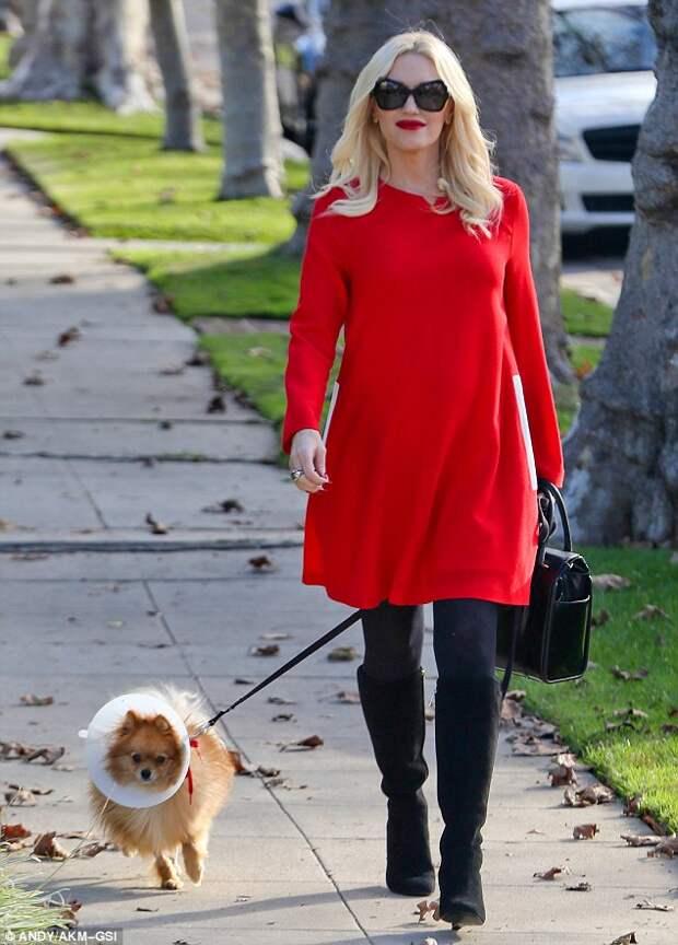 Gwen Stefani red dress