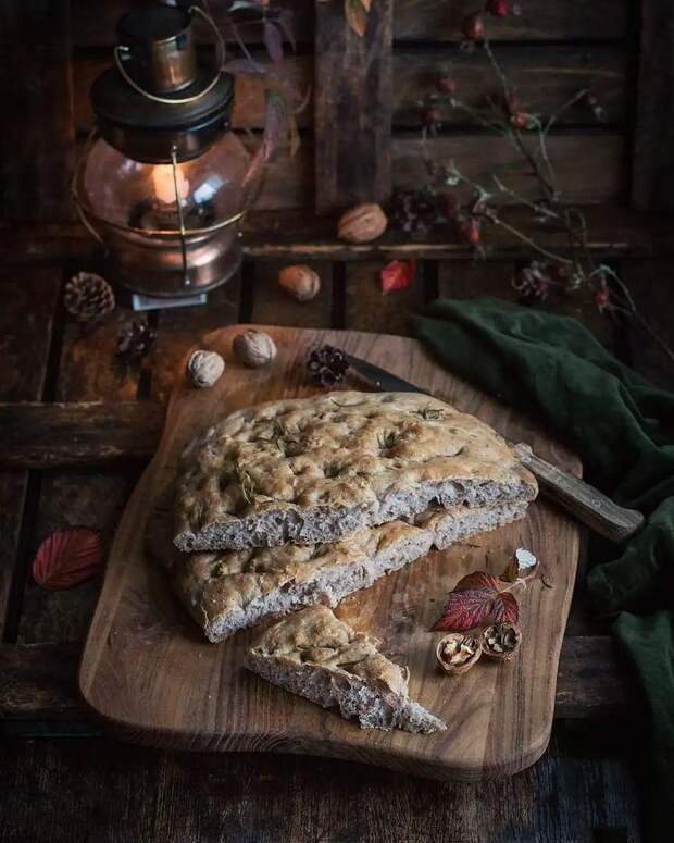 Вместо хлеба: готовим фокаччу к грецкими орехами