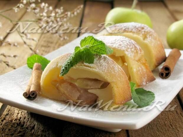 Нежный пирог с яблочной начинкой на кефире