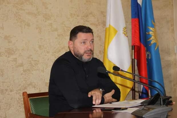 Упавшего с электросамоката мэра Кисловодска начали выводить из искусственной комы