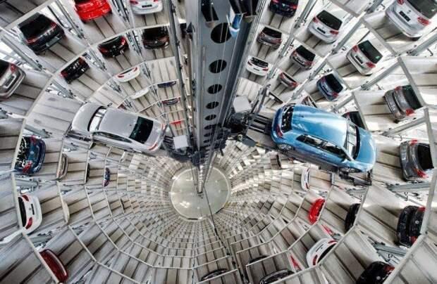 Башни-парковки - каждую машинку развозят по своим местам с помощью подъемника Фабрика идей, автомир, гаражи. навесы, решения