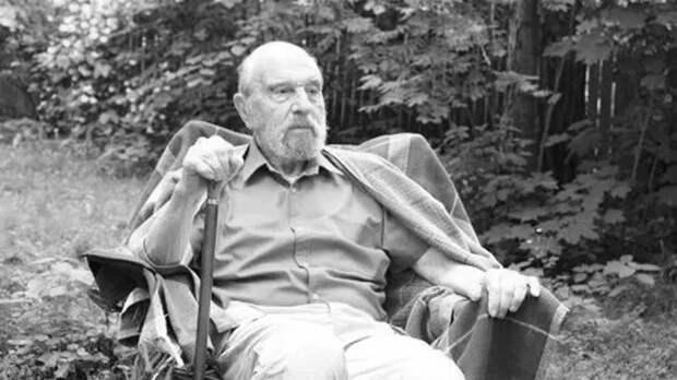 Советский разведчик Джордж Блейк скончался в Москве