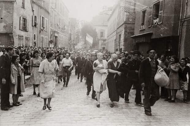 Пособницы нацистов, или За что француженкам брили головы