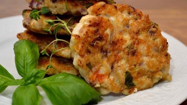 Сочные куриные котлеты. Видео рецепт, Рецепт, Еда, Вкусно, Просто, Курица, Мясо, Кулинария, Видео