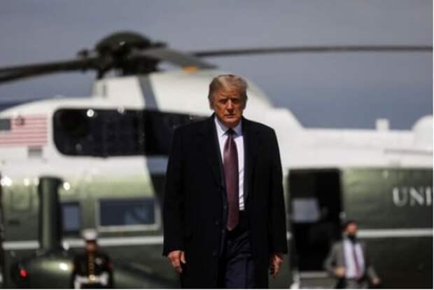 Президент США Дональд Трамп на Объединённой базе Эндрюс Морской авиации США, Мэриленд, США, 1 октября 2020 года. REUTERS/Leah Millis