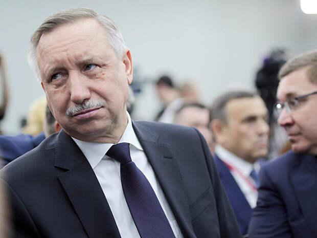 Губернатор Петербурга в 2020 году заработал втрое меньше супруги