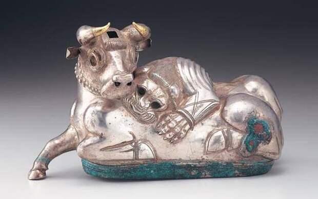 зверин.Pre-Ахеменидов период 8-VI веках до н. Э -Лев загрызающий быка