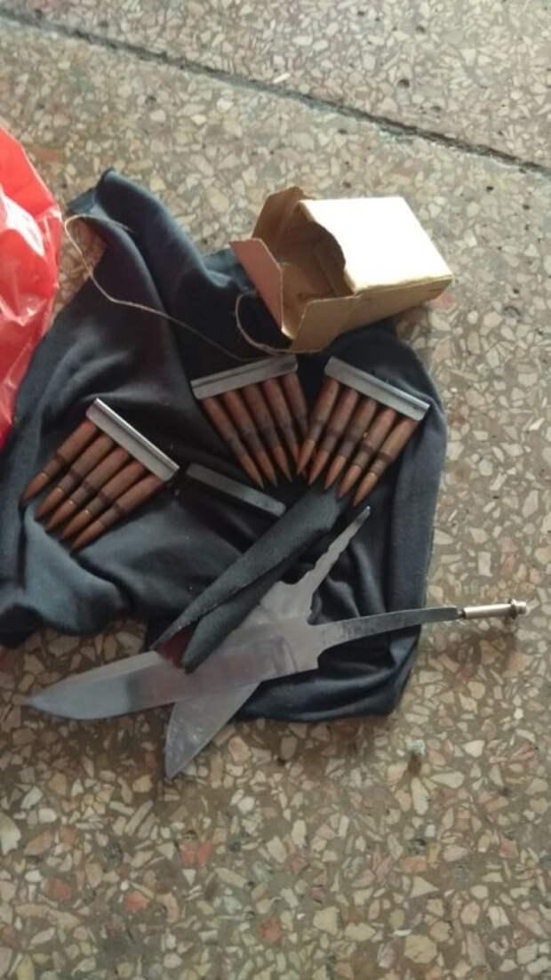 В Крыму мужчина нашёл на свалке боеприпасы и хранил их дома