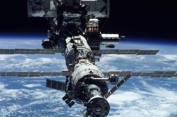 МКС изменит орбиту, чтобы уклониться от вышедшего из строя спутника США