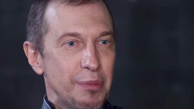 """Критик Соседов рассказал, на кого бы надел костюм Петуха в шоу """"Маска"""""""