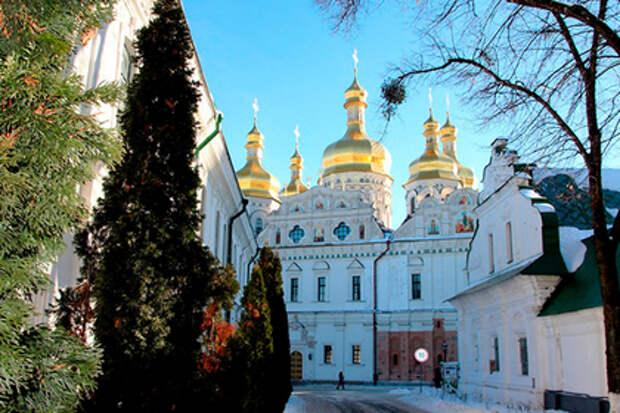 Украинская православная церковь разорвала связи с Константинополем