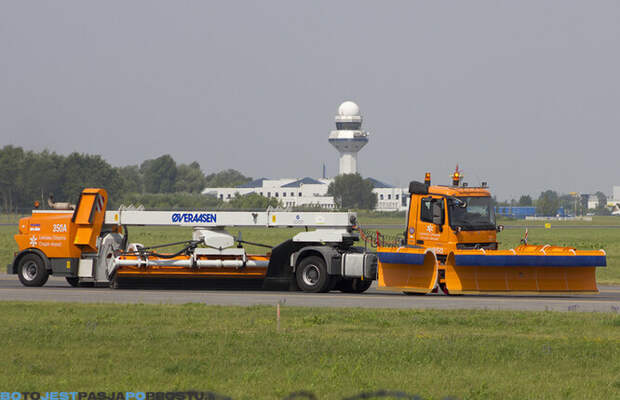 Подметально-уборочная машина Overaasen RS400