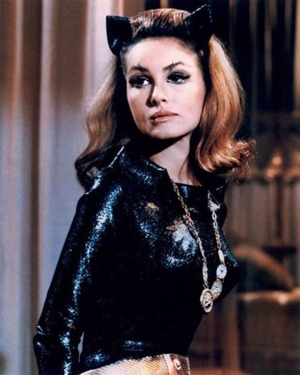 Грациозная Джули Ньюмар - Женщина-кошка в популярном в 60-х годах телесериале «Бэтмен».