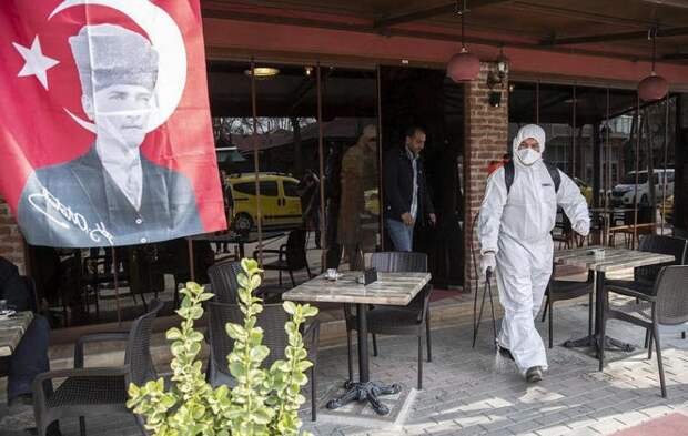Турция намеренно скрывает распространение коронавируса из страха лишиться доходов от туристического потока