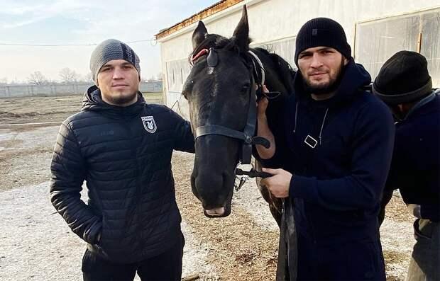 Хабиб напутствовал двоюродного брата, заключившего контракт сUFC