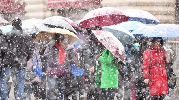 В Москве начался рекордно сильный дождь