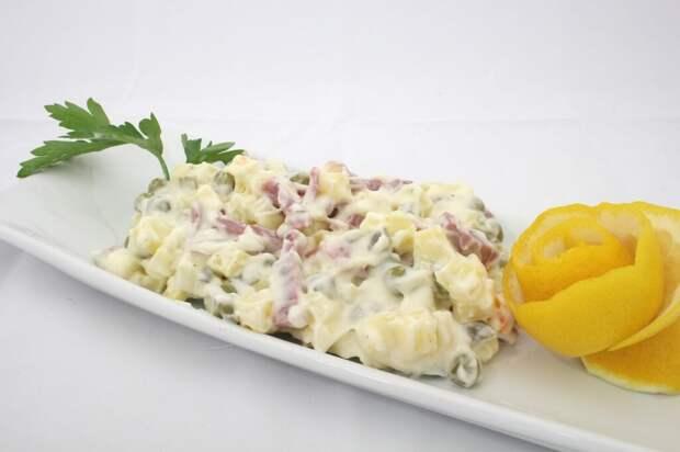 italian-salad-812663_1280-1024x682 Может ли майонез быть «легким и безвредным»?