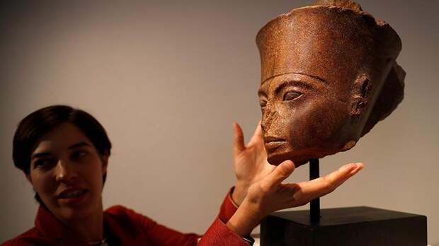 В Лондоне продали бюст Тутанхамона за 6 млн долларов