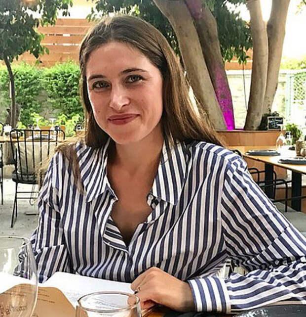 Британский миллионер, бросивший беременную русскую жену, тайно съехал из дома