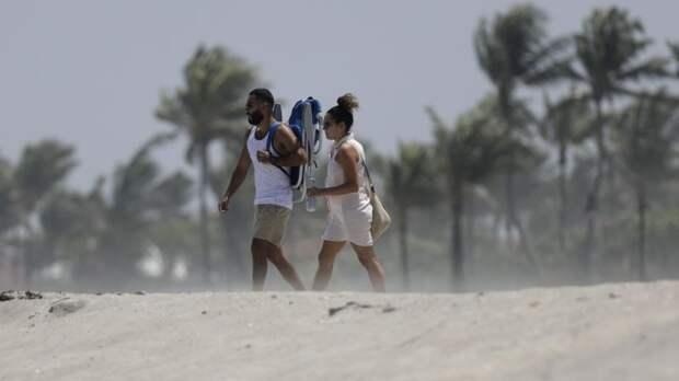 Тропический шторм «Исайас» приближается к Флориде