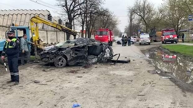 Устроивший вНовочеркасске ДТП спятью жертвами подросток взял машину без разрешения