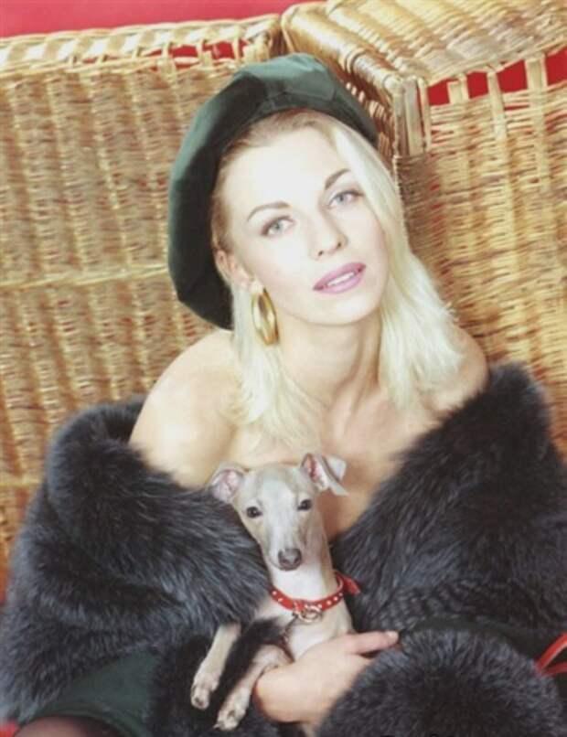 Экстравагантная звезда 90-ых Наталья Ветлицкая