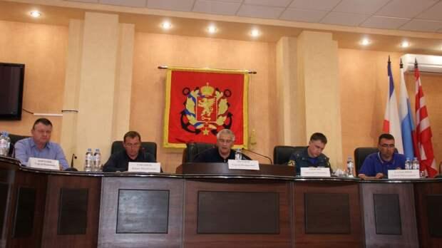 В Керчи Глава Республики Крым Сергей Валерьевич Аксёнов провел заседание Комиссии по предупреждению и ликвидации чрезвычайных ситуаций и обеспечению пожарной безопасности РК