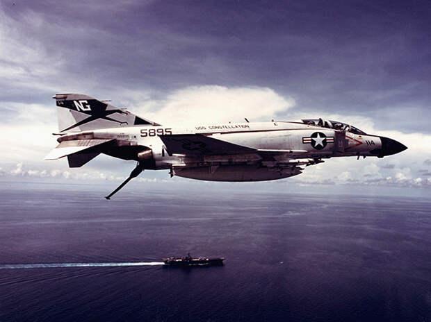 F-4 Phantom,