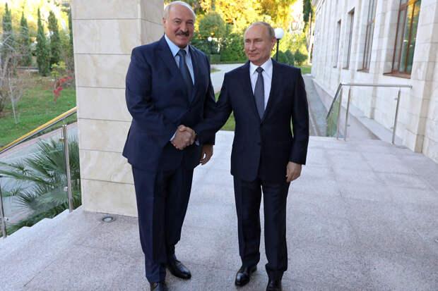Лукашенко назвал Россию старшим братом и решил держаться ближе к Москве