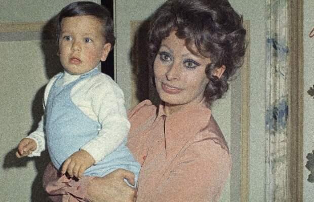 Дети дивы: как сложились судьбы сыновей Софи Лорен