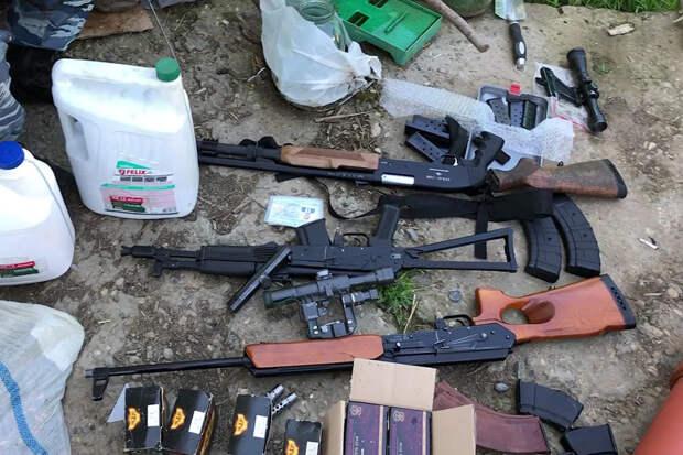 ФСБ задержала 48 подпольных оружейников в 18 регионах России