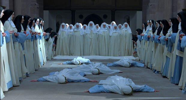 Фото №3 - Мяукающие монахини и еще 5 случаев массовой истерии