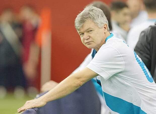 Сергей ВЕДЕНЕЕВ: Вряд ли легионерам «Зенита» нравится смотреть, как у них над головой мяч летает