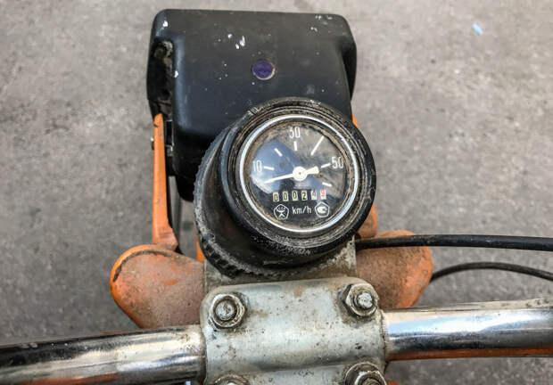 """Мокик """"Карпаты-2"""" 1989 года с пробегом 24 км: капсула времени"""