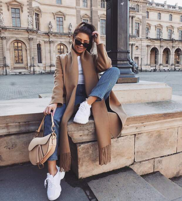Удобно и практично: 11 осенних образов с джинсами в стиле кэжуал