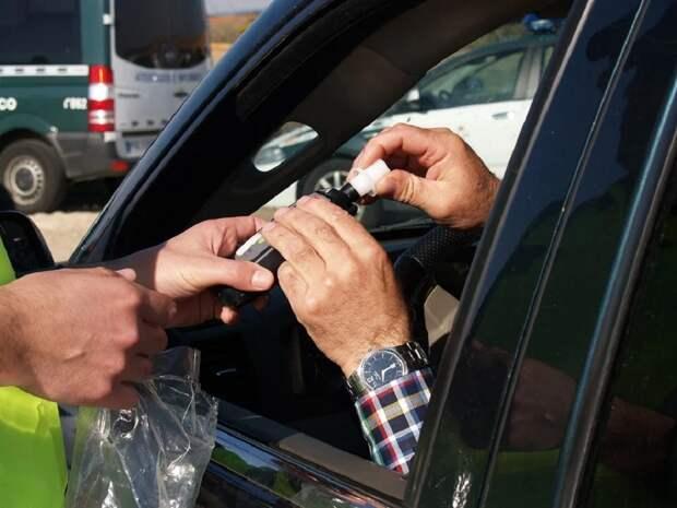 У дорожной полиции появятся устройства, позволяющие моментально устанавливать наличие опьянения у водителя