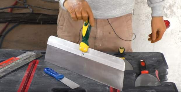 Как отмыть строительный инструмент? Шпатель как новенький, быстро и просто
