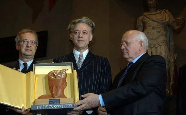 Лауреату Нобелевской премии мира никогда не отмыться от крови. Голос Мордора