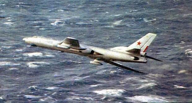 Как ТУ-16 приводнился в океане