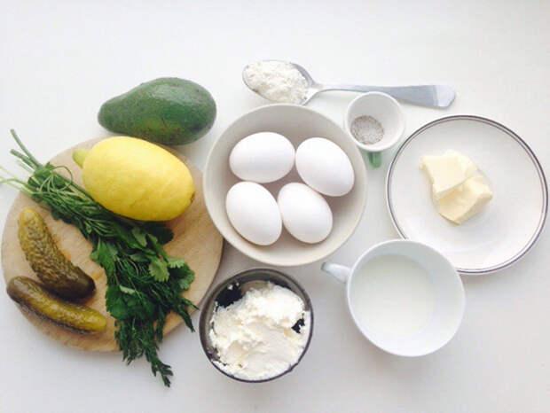 Роллы из омлета и сыра на завтрак