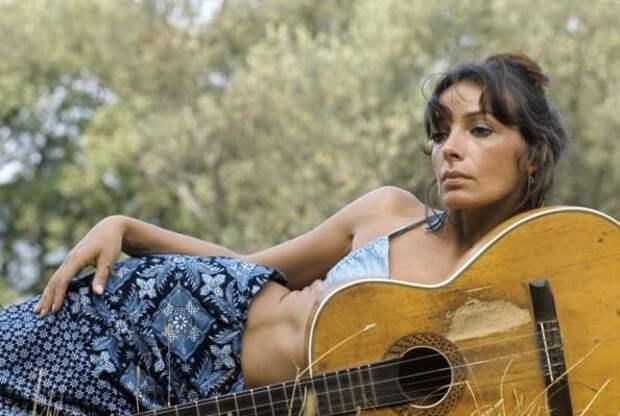 Умерла исполнительница знаменитой песни «Манчестер и Ливерпуль» Мари Лафоре