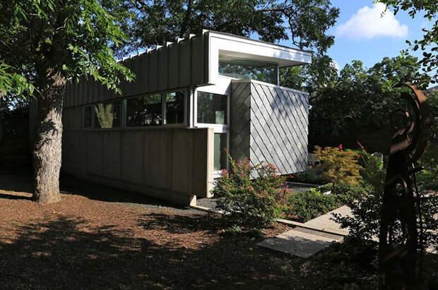 Интересные, оригинальные и практичные дачные домики