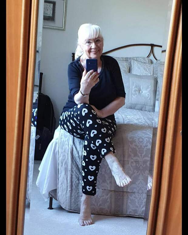 Вот как нужно одеваться в 70 лет: 6 стильных образов от пенсионерки Хельги Люкс