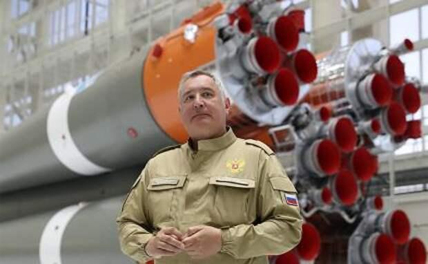 """На фото: генеральный директор ГК """"Роскосмос"""" Дмитрий Рогозин"""